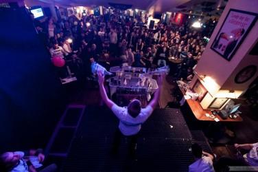 competition de flair cocktail barman jongleur